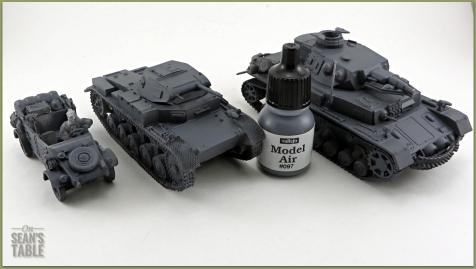 Vallejo DAK Airbrush Paint Set Dark Grey Primer